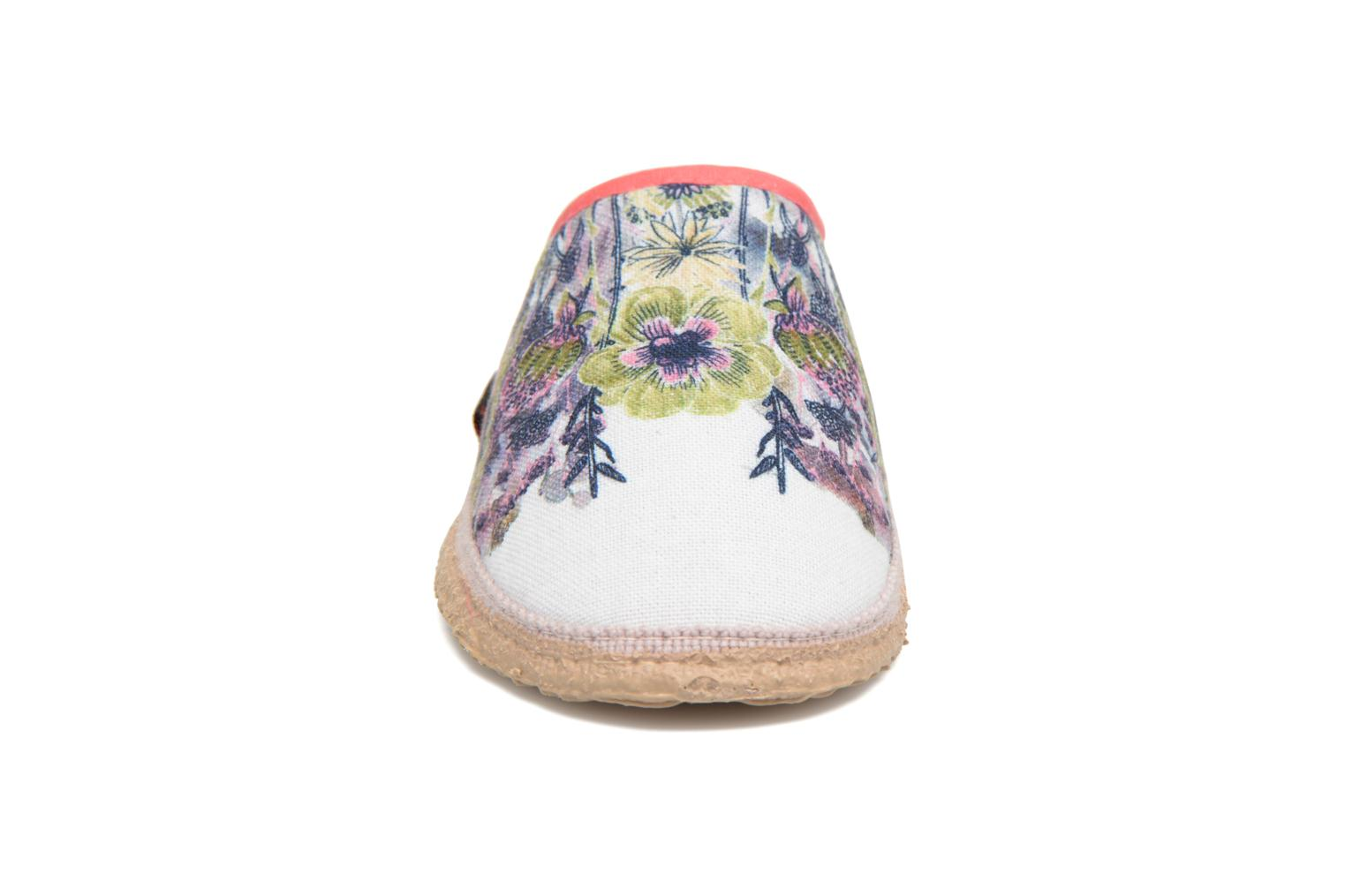 Chaussons Giesswein Pabing Blanc vue portées chaussures