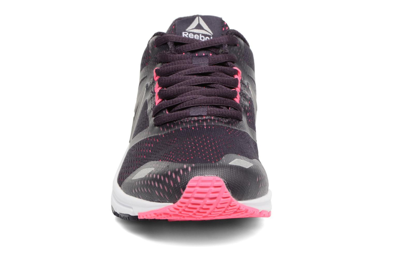 Chaussures de sport Reebok Ahary Runner Noir vue portées chaussures