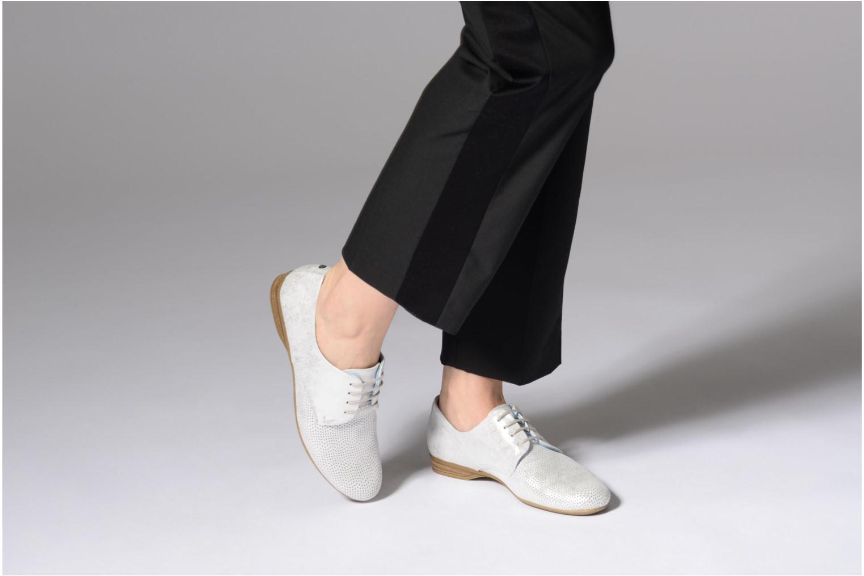 Chaussures à lacets Dorking Candy 7400 Gris vue bas / vue portée sac
