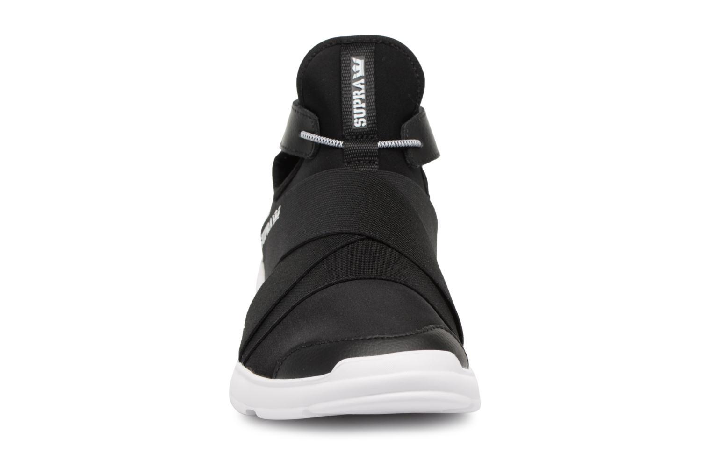 Baskets Supra Anevay Noir vue portées chaussures