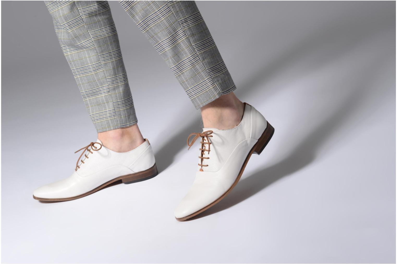 Chaussures à lacets Mr SARENZA Smary Blanc vue bas / vue portée sac