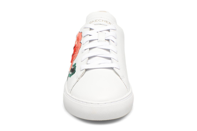 Baskets Skechers Vaso-Flor Blanc vue portées chaussures