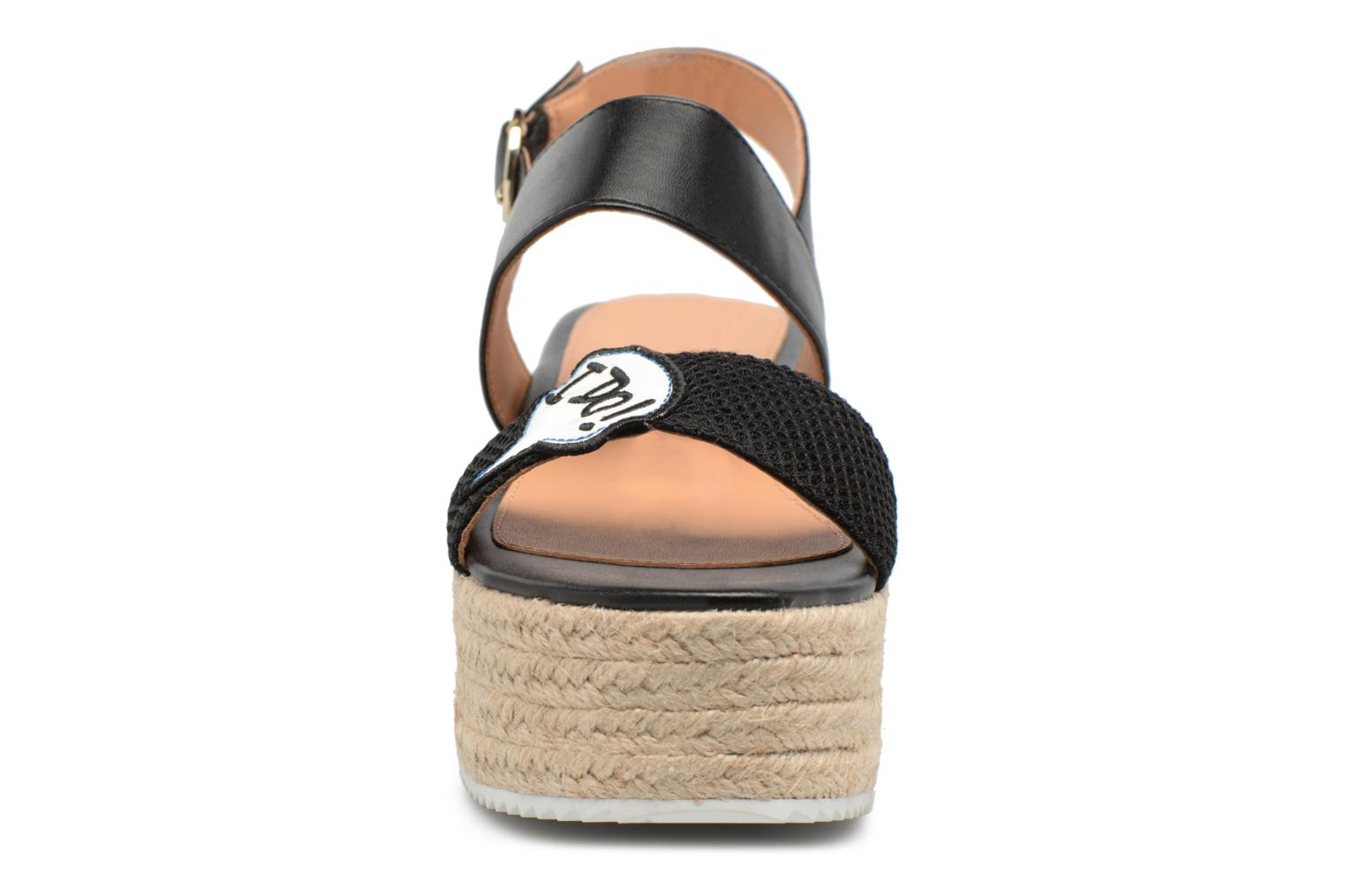 Espadrilles Love Moschino Funny Patches JA16087I15 Marron vue portées chaussures