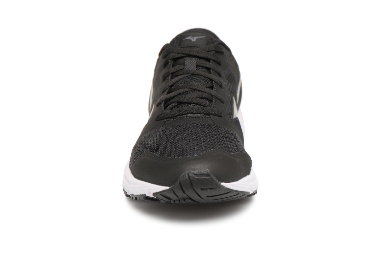 Chaussures de sport Mizuno MIZUNO EZRUN LX Noir vue portées chaussures