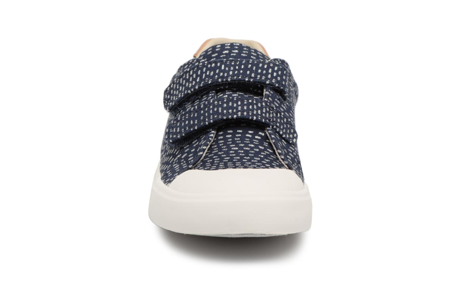 Trainers Clarks Comic Cool Blue model view