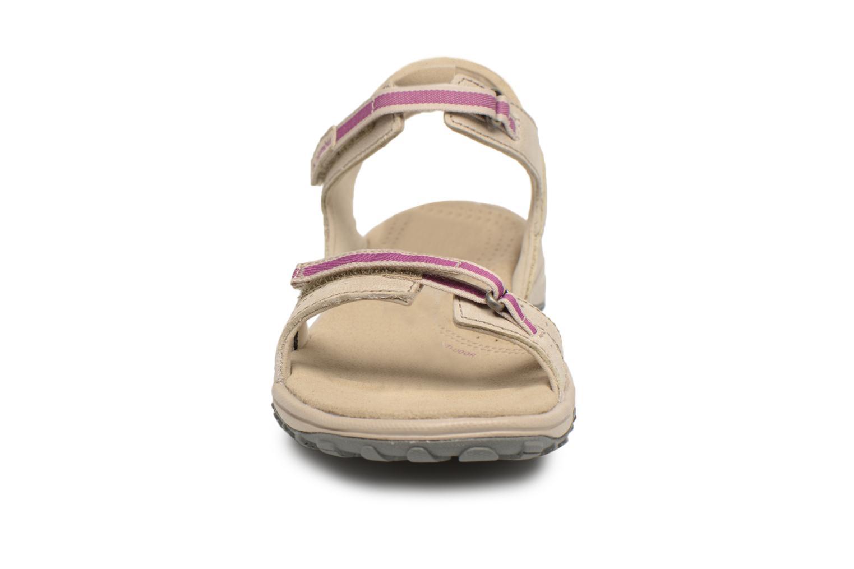 Chaussures de sport Columbia Santiam Beige vue portées chaussures