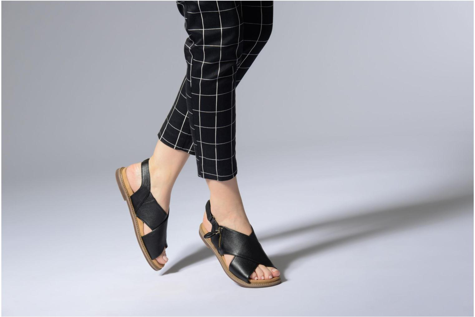 Sandals Clarks Corsio Calm Black view from underneath / model view