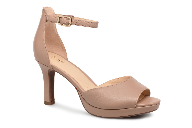 Los últimos zapatos de hombre y mujer Clarks Mayra Dove (Beige) - Sandalias en Más cómodo