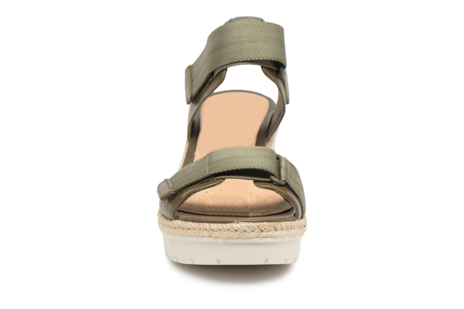 Sandals Clarks Palm Shine Green model view