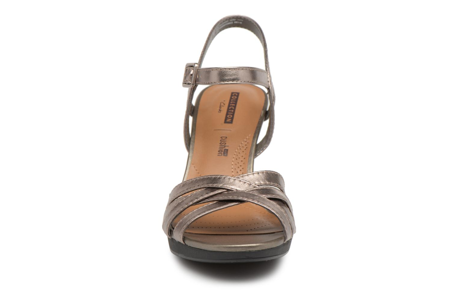 Sandals Clarks Adriel wavy Bronze and Gold model view