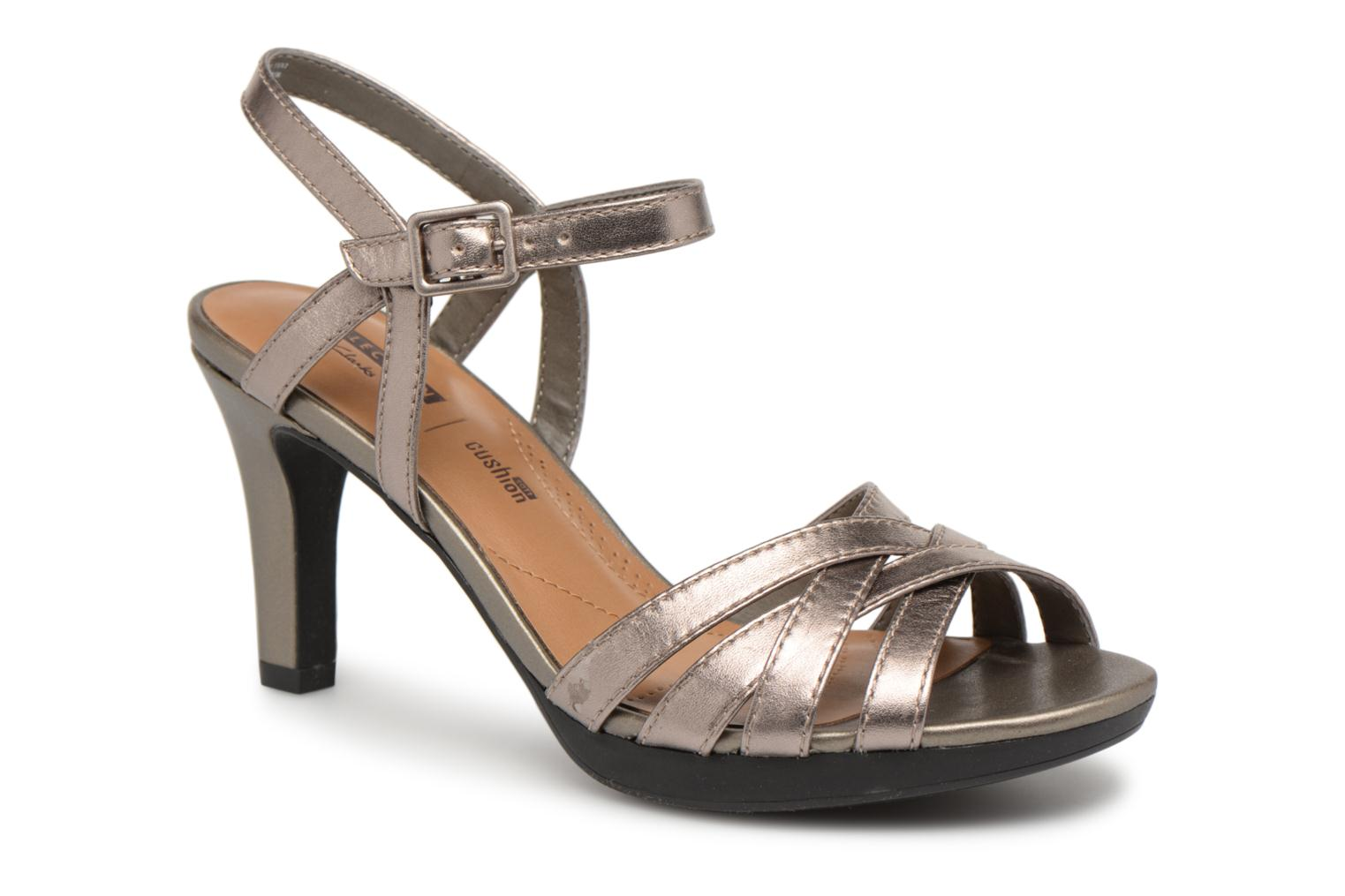 Sandals Clarks Adriel wavy Bronze and Gold detailed view/ Pair view