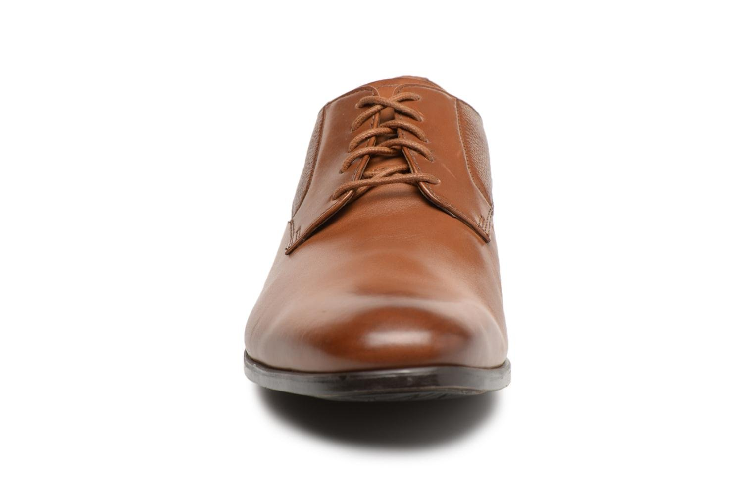 Gilmore Lace Tan Leather