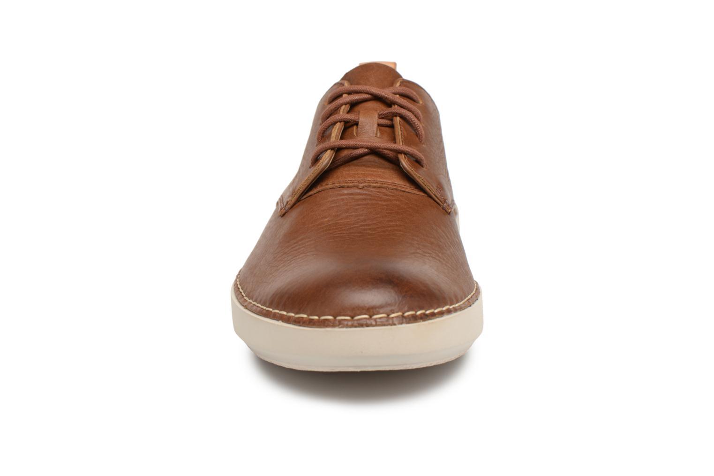 Baskets Clarks Komuter Walk Marron vue portées chaussures