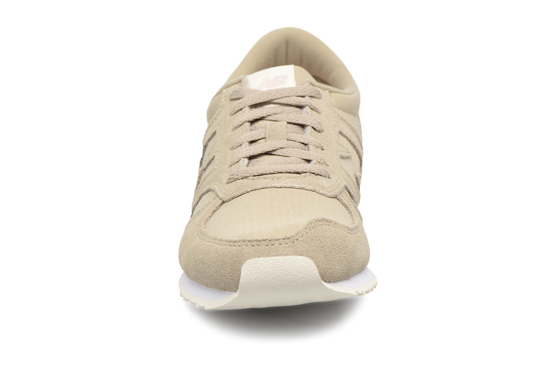 Baskets New Balance WL420MBA-B Vert vue portées chaussures