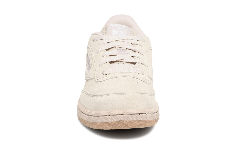 Baskets Reebok CLUB C/BS7285 Beige vue portées chaussures