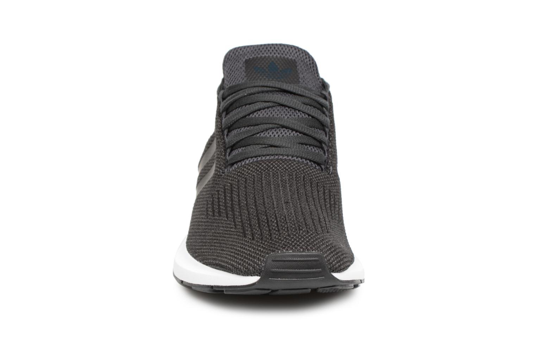 Sneakers Adidas Originals Swift Run Zwart model