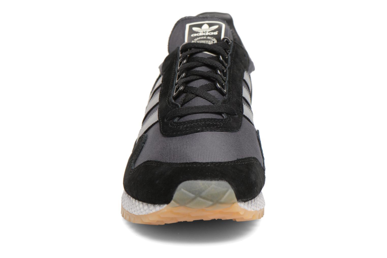 Baskets Adidas Originals New York Noir vue portées chaussures