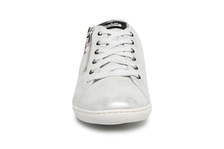 Sneakers Mephisto Hawai Argento modello indossato