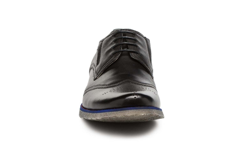 Chaussures à lacets Kickers BREDI Noir vue portées chaussures