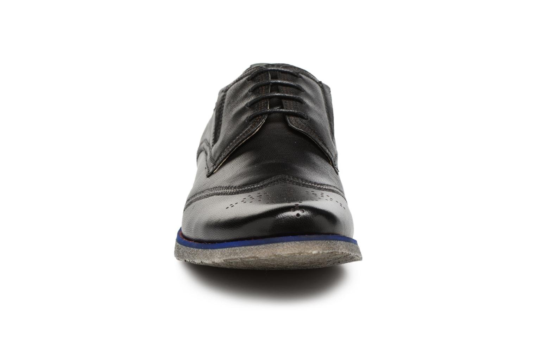 Veterschoenen Kickers BREDI Zwart model