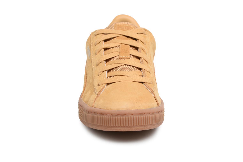Baskets Puma PS BASKET CLASSIC WEATH Marron vue portées chaussures