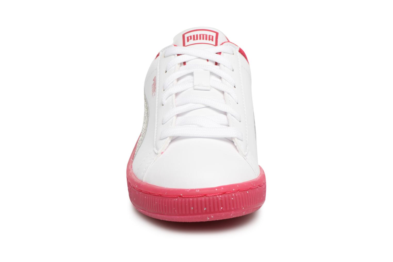 Baskets Puma PS BASKET ICED GLITTER Blanc vue portées chaussures