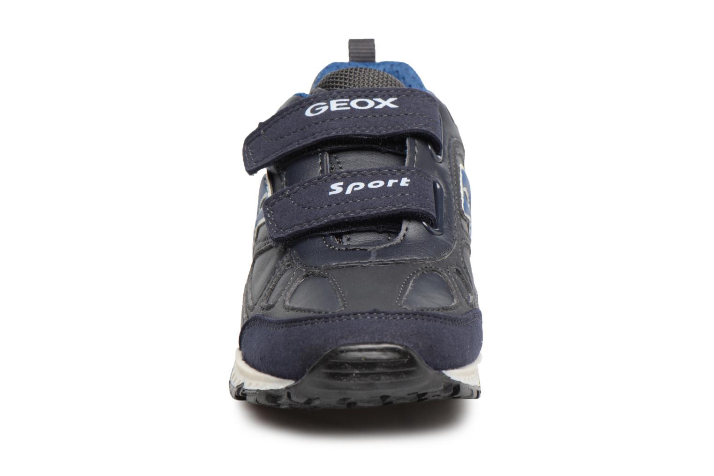 Baskets Geox J BERNIE A J6411A Bleu vue portées chaussures