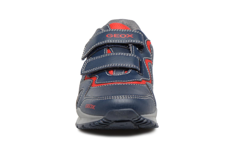 Baskets Geox J PAVEL A J7415A Bleu vue portées chaussures