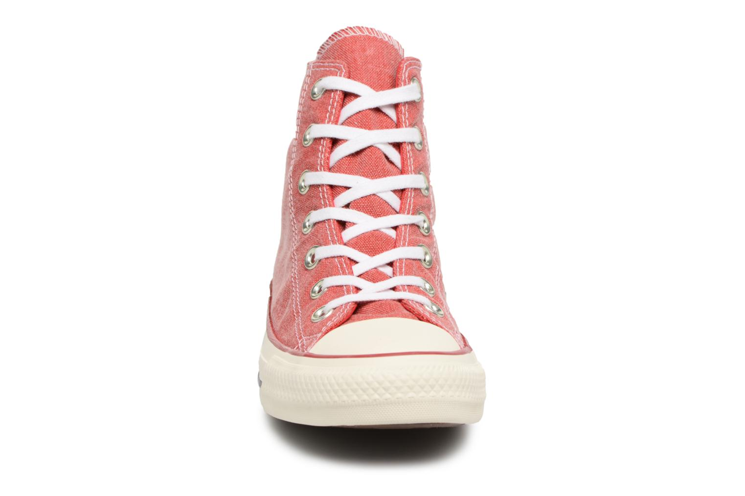 Baskets Converse Chuck Taylor All Star Stone Wash Hi W Rouge vue portées chaussures
