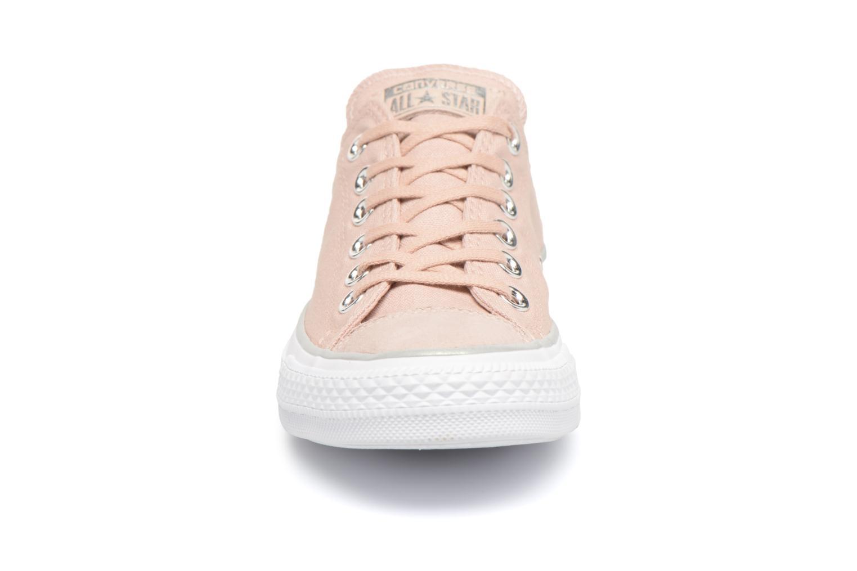 Baskets Converse Chuck Taylor All Star Tipped Metallic Toecap Ox Rose vue portées chaussures