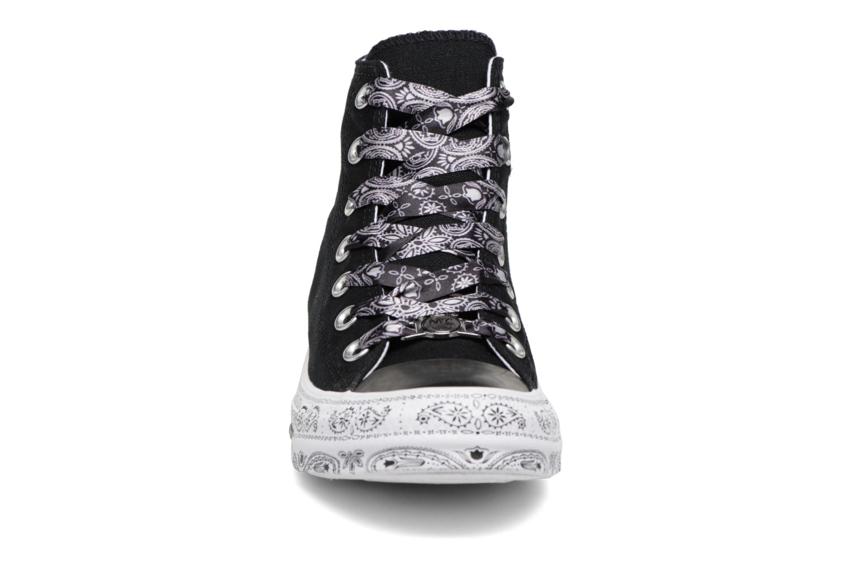 Baskets Converse Converse x Miley Cyrus Chuck Taylor All Star Hi Noir vue portées chaussures