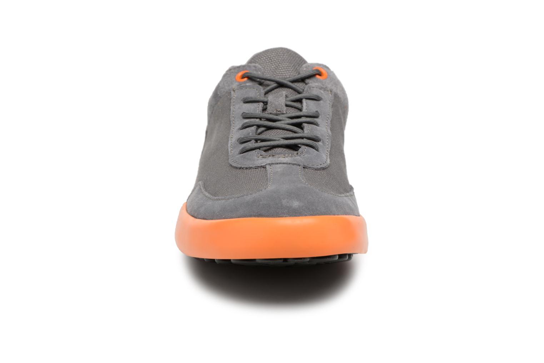 Sneakers Camper Pursuit Grijs model