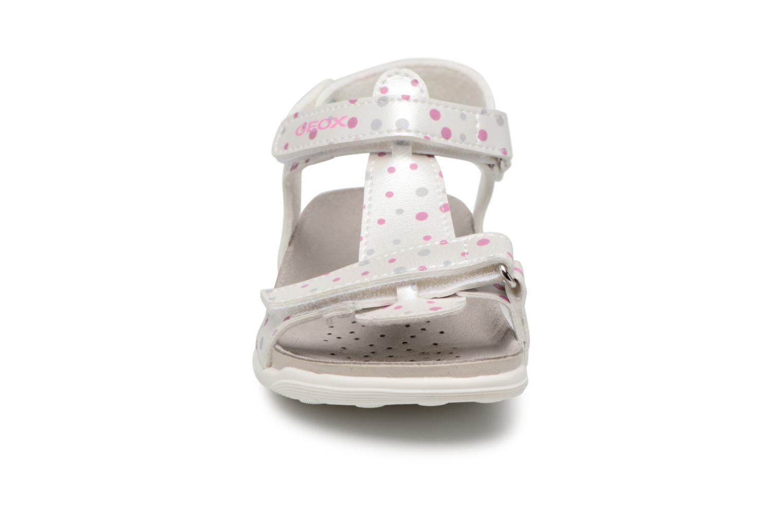Sandales et nu-pieds Geox J S.ALOHA B J7214B Blanc vue portées chaussures