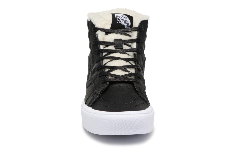 Baskets Vans VA38GKQXA Noir vue portées chaussures