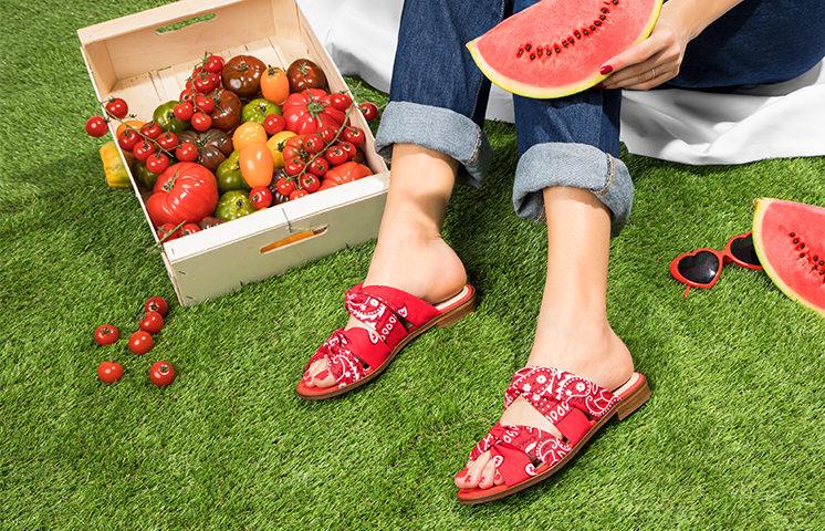 Sandales légères brodées Femme